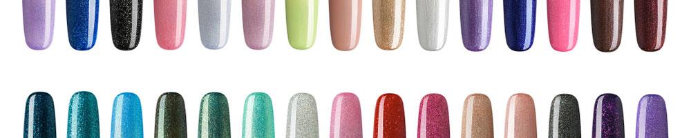 två rader med målade naglar
